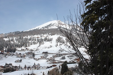mariabk160100011.jpg - dolomites skiing resort. gardena.